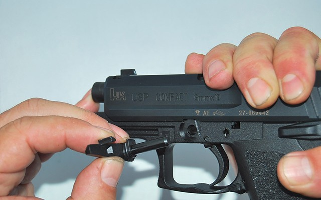 Paso 3 Desarme HK USP Compac